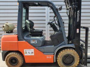 Вилковий навантажува Toyota 02-8FGF30