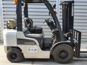 Вилковий навантажувач Nissan U1F2A25D