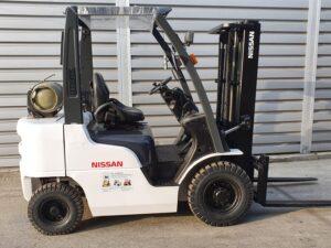 Вилковий навантажувач NISSAN P1F2A20D